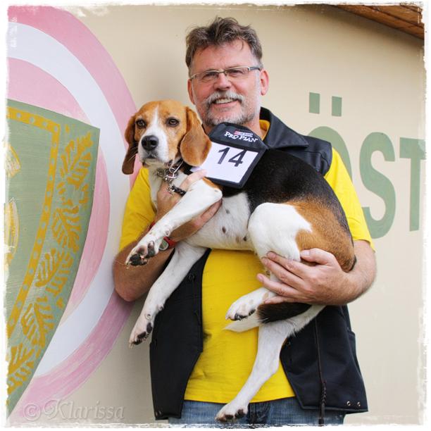 Herrchen mit seinem braven Turnier-Hund *g*