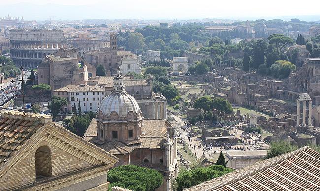 vom Vittoriano - Kolosseum